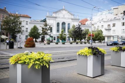 malageno, MAG, planters, MAG521/526, MAG525/625, design: David Karasek, Slovakia, Bratislava, Kamenne namesti