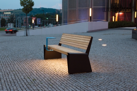 radium, LRA, park bench, design: David Karasek, smartcite, USB, table