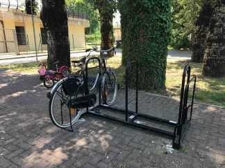 Rastrelliera 7 (Parcheggio scuola materna via Benni)